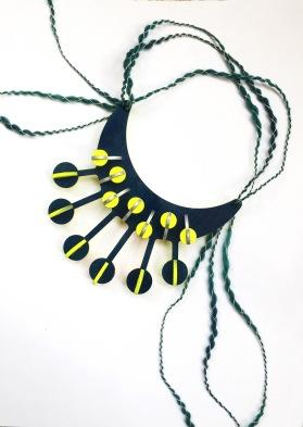 collar 01 web